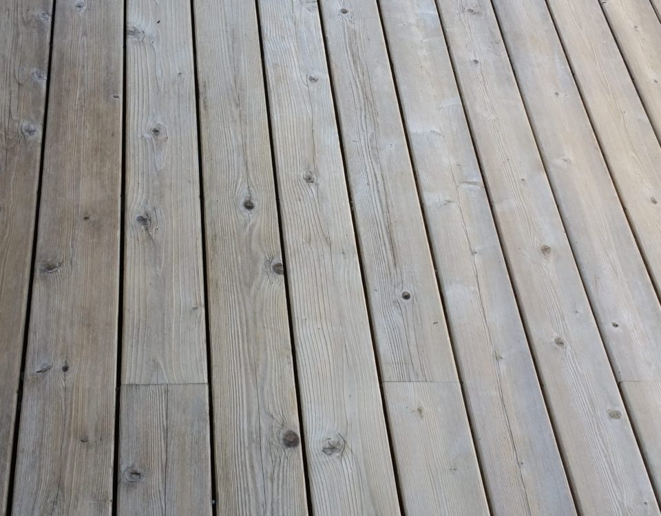 Chameleon Painting Inc. - Deck, Railings, and Furniture Power Wash
